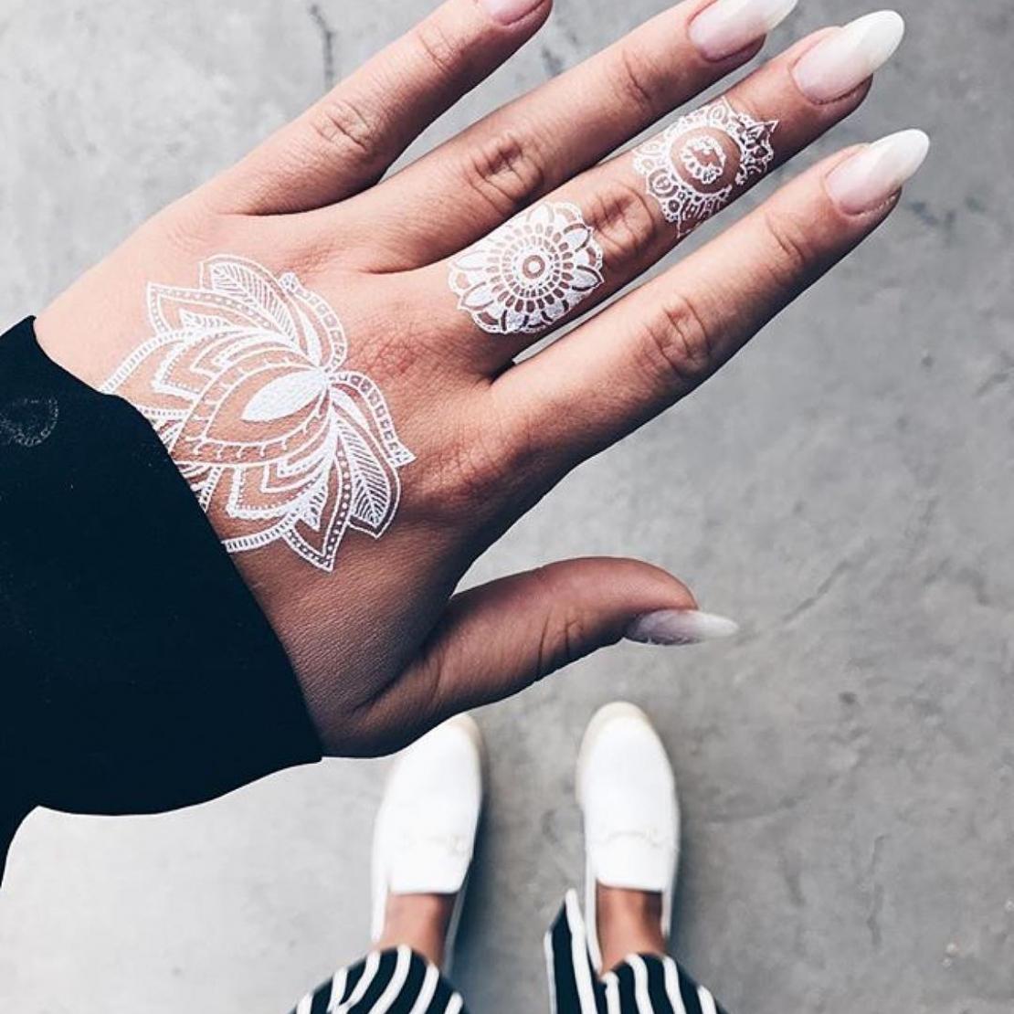 Тату наклейка мандалы 3шт белые на пальцах