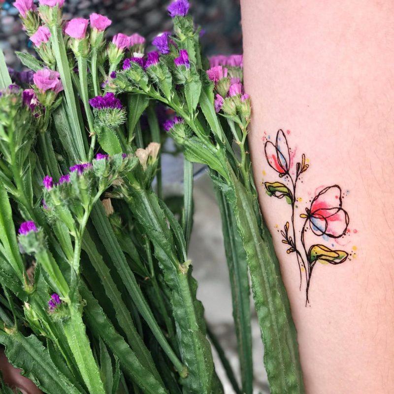 Переаводная тату тюльпанчики на руке