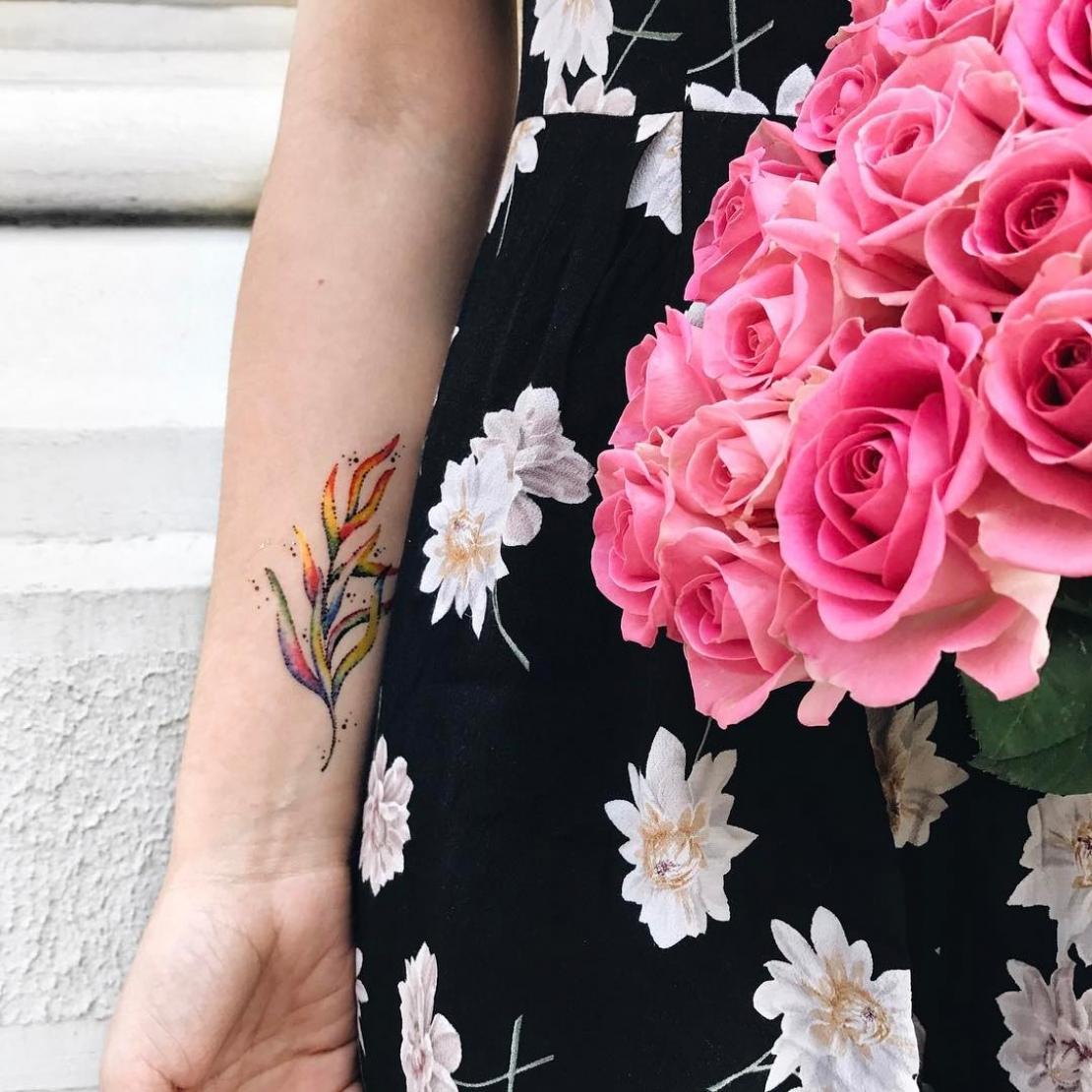 Временное тату водоросли и розы