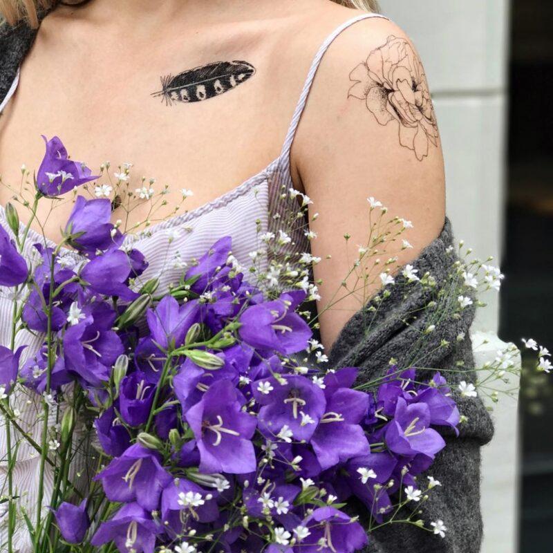 Временные тату из набора перья цветки и мотыль