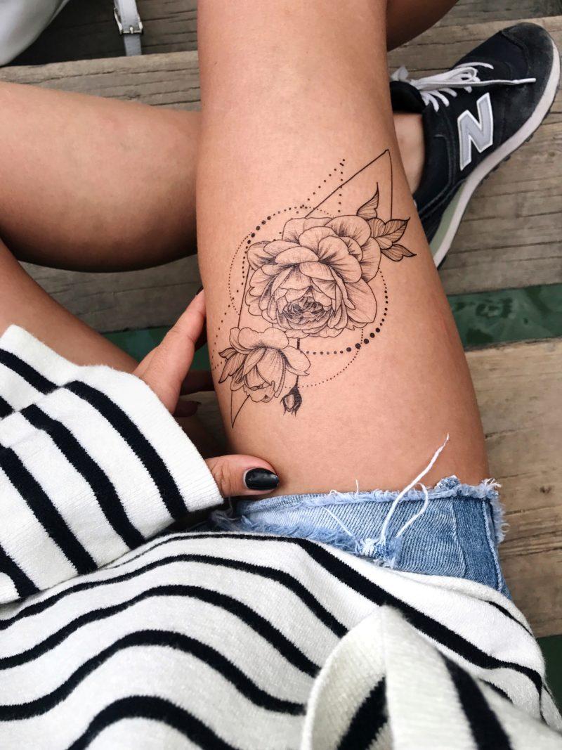 Временная татуировка роза в герметрии