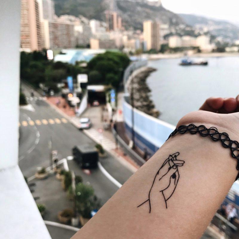 Переводная тату любовь в Монако