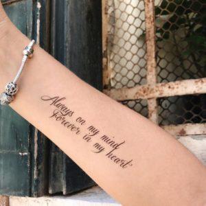 Тату наклейка Always on my mind на руке с браслетом