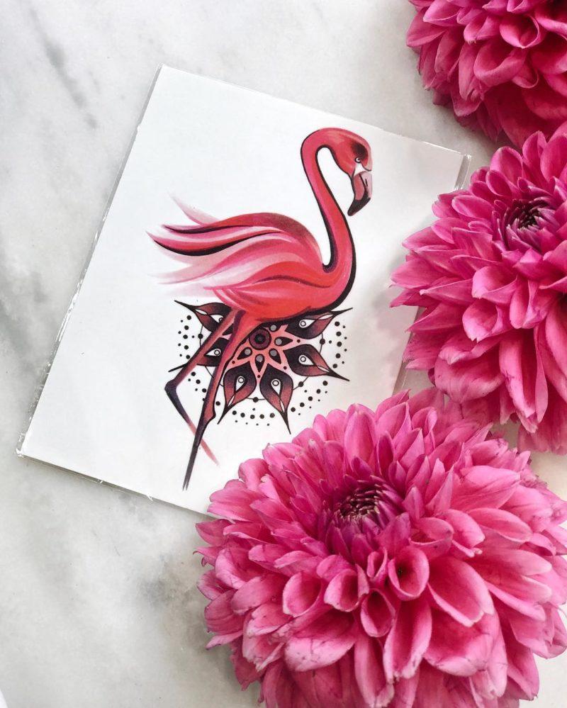 фламинго и мандала и цветы
