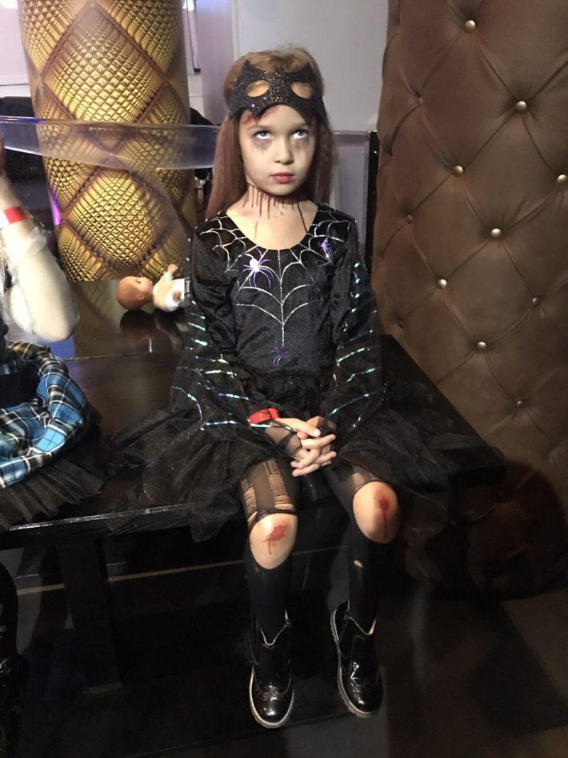 Временное тату Кровавый сет на девочке