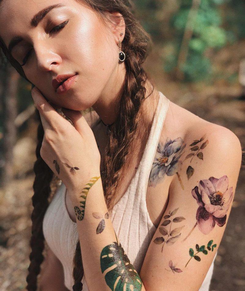 Временная тату летние цветы на плечах
